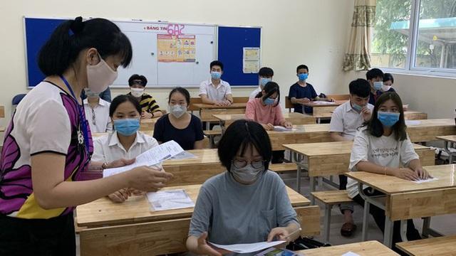 27 địa phương thi tốt nghiệp THPT đợt 2 sắp tới là những tỉnh nào và Hà Nội sẽ được tổ chức thi ở đâu? - Ảnh 1.