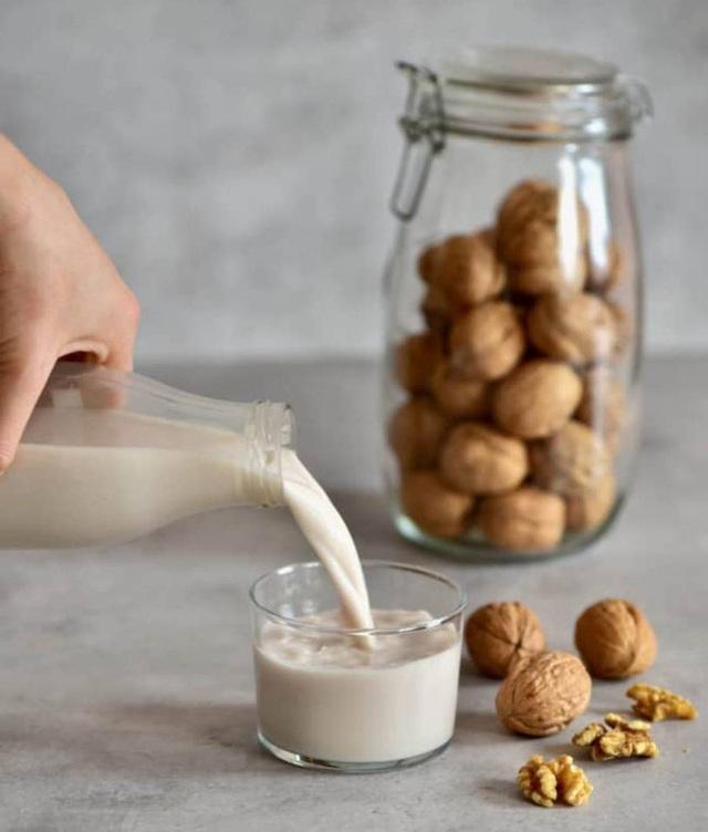 Ăn mỗi ngày 10 loại thực phẩm chống viêm, giảm cholesterol này, bạn yên tâm sẽ có trái tim khoẻ mạnh suốt đời - Ảnh 3.