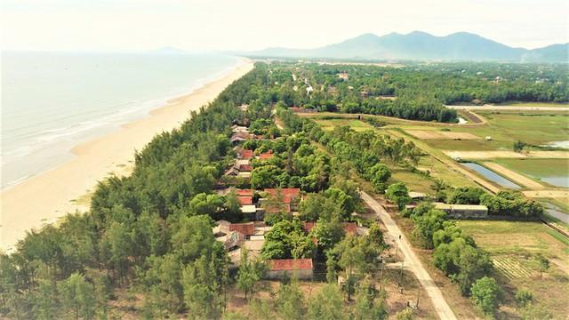 Cảnh hoang tàn ở khu du lịch biển Xuân Thành - Ảnh 3.