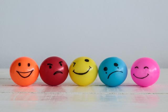 5 thói quen nhỏ giúp bạn thoát khỏi tình trạng căng thẳng cực độ: Ưu tiên chăm sóc cơ thể, bồi dưỡng tâm trí mỗi ngày để nhẹ bớt gánh nặng tinh thần - Ảnh 1.