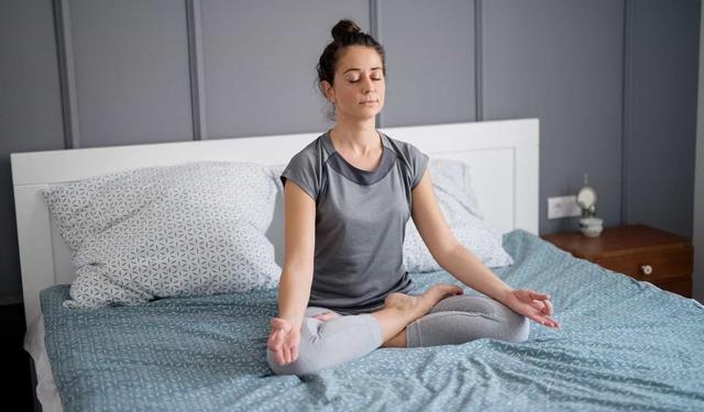 Chỉ mất 30 phút cho những thói quen này, stress sẽ không còn là nỗi lo trong ngày: Chuyên gia tâm lý khuyến khích nên thực hiện đều đặn mỗi sáng - Ảnh 2.