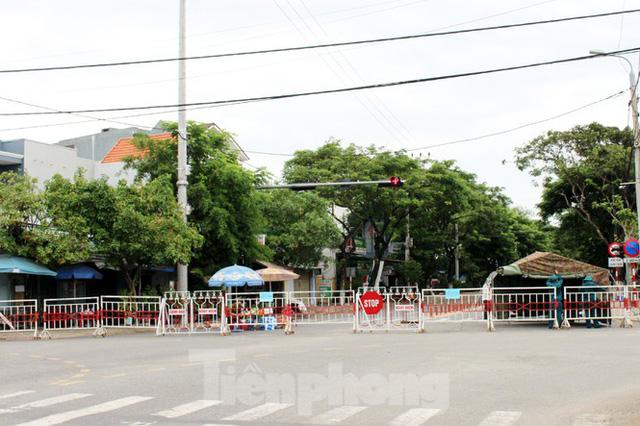 Cuộc sống trong thôn đầu tiên ở Đà Nẵng bị phong tỏa vì COVID – 19 - Ảnh 1.