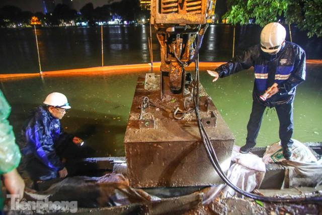 Hợp 3 mũi thi công, kè hồ Hoàn Kiếm chuẩn bị về đích - Ảnh 9.