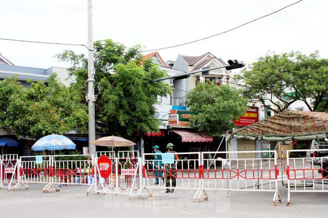 Cuộc sống trong thôn đầu tiên ở Đà Nẵng bị phong tỏa vì COVID – 19 - Ảnh 9.