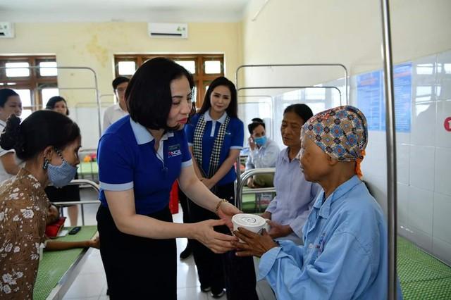 NCB và Quỹ Hành Trình Xanh chia sẻ khó khăn cùng Đà Nẵng, Hội An - Ảnh 2.