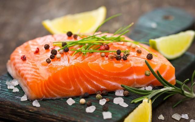Nghiên cứu mới: Thường xuyên ăn cá giúp bảo vệ não khỏi sự lão hóa, giúp chống lại những nguy hại tiềm ẩn của ô nhiễm không khí - Ảnh 2.