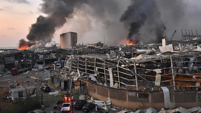 Ảnh vệ tinh cho thấy cảng Beirut tan hoang như thế nào sau vụ nổ kinh hoàng - Ảnh 6.