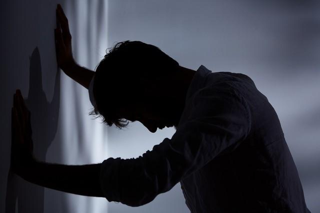 Không chỉ khiến cuộc sống thêm khổ sở, trầm cảm còn làm tăng nguy cơ mắc căn bệnh dẫn tới tử vong sớm này - Ảnh 1.