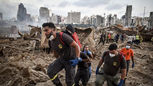 Ảnh vệ tinh cho thấy cảng Beirut tan hoang như thế nào sau vụ nổ kinh hoàng - Ảnh 7.