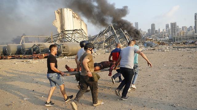 Ảnh vệ tinh cho thấy cảng Beirut tan hoang như thế nào sau vụ nổ kinh hoàng - Ảnh 8.