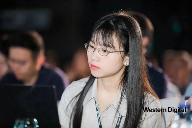 Thiếu nữ thiên tài vừa tốt nghiệp được Huawei săn đón: Vẻ ngoài ưa nhìn, thành tích khủng và mức lương khởi điểm 6,2 tỷ đồng/năm - Ảnh 2.
