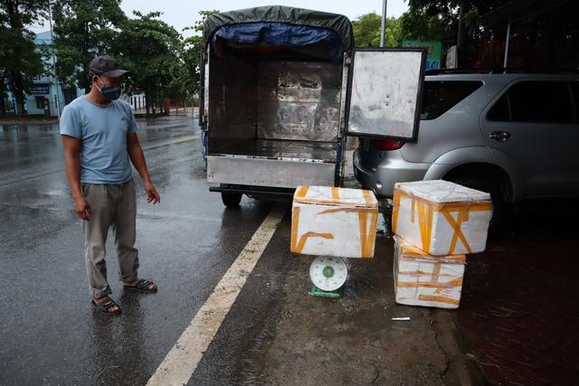 Tiêu hủy gần 600 kg nội tạng động vật bốc mùi hôi thối tại Phú Thọ - Ảnh 2.