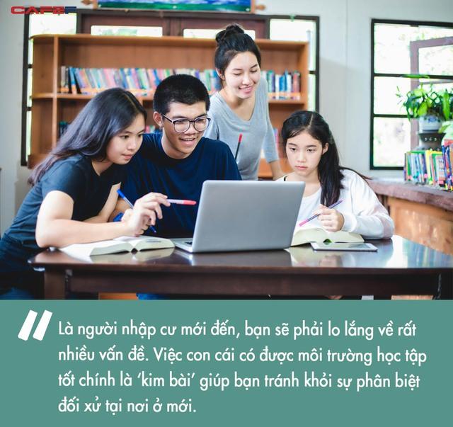 Học sinh gốc Á nỗ lực để đứng đầu những ngôi trường danh tiếng: Kim bài quý giá giúp các gia đình thoát cảnh kỳ thị, tìm thấy chỗ đứng trong xã hội - Ảnh 2.