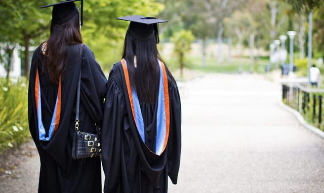 Học sinh gốc Á nỗ lực để đứng đầu những ngôi trường danh tiếng: Kim bài quý giá giúp các gia đình thoát cảnh kỳ thị, tìm thấy chỗ đứng trong xã hội - Ảnh 3.