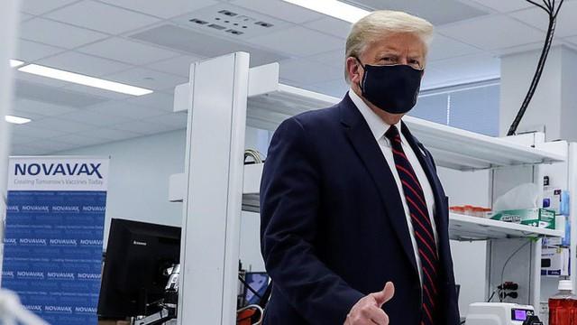 Vaccine Covid-19: Điều bất ngờ tháng 10 giúp ông Trump xoay chuyển tình thế? - Ảnh 1.