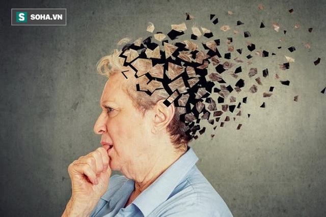Không chỉ người già, người trẻ đã phải đối mặt với bệnh sa sút trí tuệ: Đây là điều nên làm - Ảnh 1.