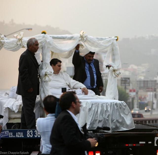 Cận cảnh cuộc sống của người đàn ông nặng nhất thế giới gần 600kg, cả khi cưới và lúc chết đưa tang đều phải thuê xe tải cỡ lớn - Ảnh 9.