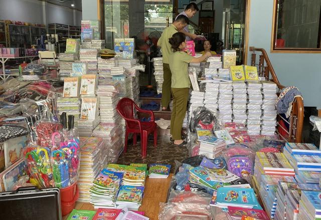 Tạm giữ gần 4.000 quyển sách giáo khoa có dấu hiệu giả mạo nhà xuất bản Giáo dục Việt Nam - Ảnh 5.