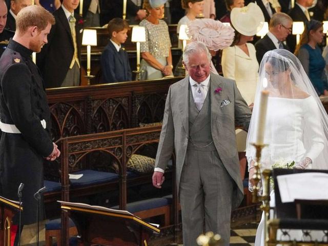 Lý do đặc biệt giúp vợ chồng Meghan Markle dù ngang ngược với Nữ hoàng Anh nhưng sẽ luôn có cơ hội quay trở lại hoàng gia - Ảnh 1.