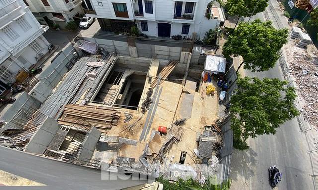 Nhà riêng lẻ 4 tầng hầm ở Hà Nội: Viện dẫn một đằng, cấp phép một nẻo? - Ảnh 2.
