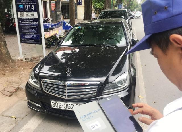 Trông xe theo iParking bị gỡ bỏ trên phố Hà Nội - Ảnh 2.