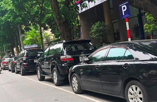 Trông xe theo iParking bị gỡ bỏ trên phố Hà Nội - Ảnh 8.