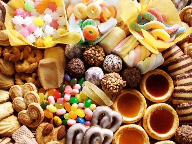 WHO cảnh báo 4 loại thực phẩm nhiều người yêu thích, thường xuyên sử dụng khiến ung thư  tiến gần hơn với sức khỏe - Ảnh 1.