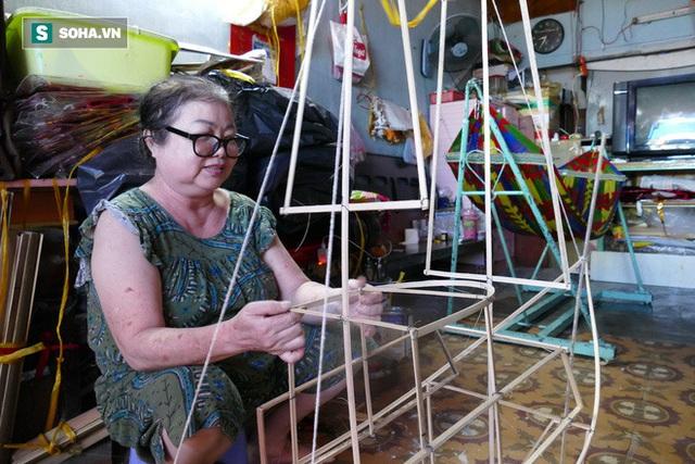 Đìu hiu xóm lồng đèn lâu đời ở Sài Gòn - Ảnh 1.