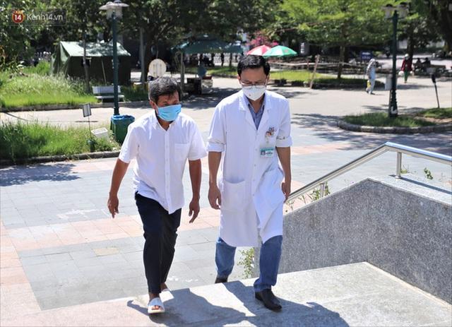 """Ông Đoàn Ngọc Hải và xe cứu thương lần đầu đến Đà Nẵng: """"Tôi rất sợ người dân hiểu lầm mình lợi dụng để kiếm tiền, nổi tiếng - Ảnh 4."""