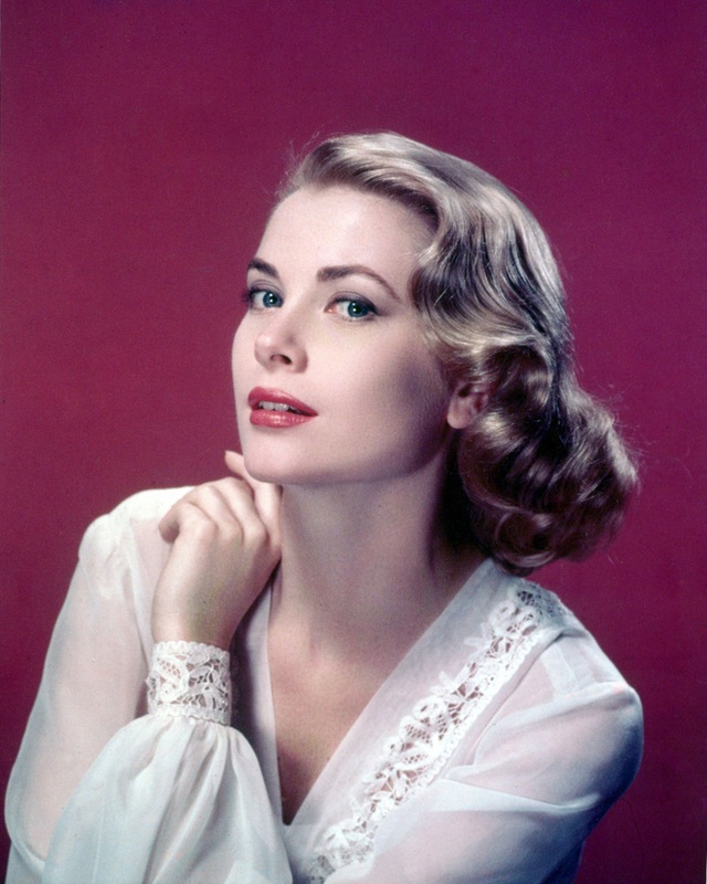 Công chúa hoàn hảo xứ Hanover: Thừa hưởng nhan sắc từ bà ngoại minh tinh Grace Kelly, học vấn đỉnh và là nàng thơ mới của làng thời trang - Ảnh 2.