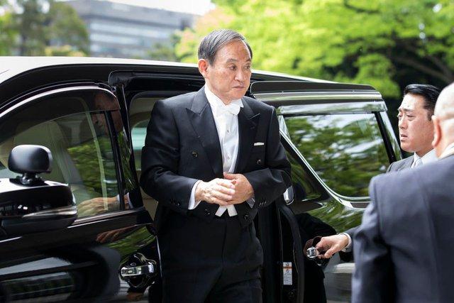 Cuộc sống lành mạnh của chính trị gia 71 tuổi sắp trở thành tân Thủ tướng Nhật Bản: Sáng đi bộ, đêm gập bụng, quyết tâm giảm 14 kg để tránh bệnh tật - Ảnh 3.