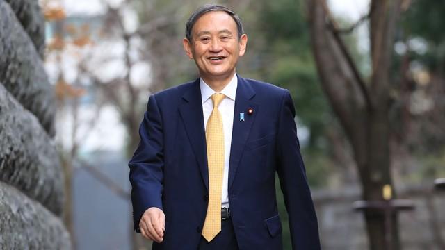 Cuộc sống lành mạnh của chính trị gia 71 tuổi sắp trở thành tân Thủ tướng Nhật Bản: Sáng đi bộ, đêm gập bụng, quyết tâm giảm 14 kg để tránh bệnh tật - Ảnh 1.