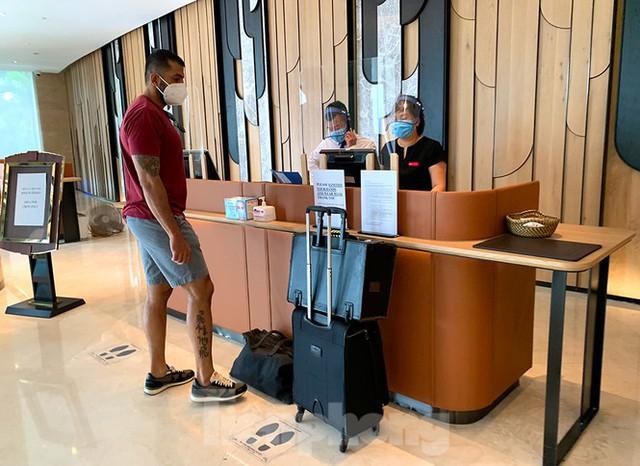 Khách sạn tại Hà Nội chuẩn bị ra sao khi được chọn làm nơi cách ly có thu phí - Ảnh 3.