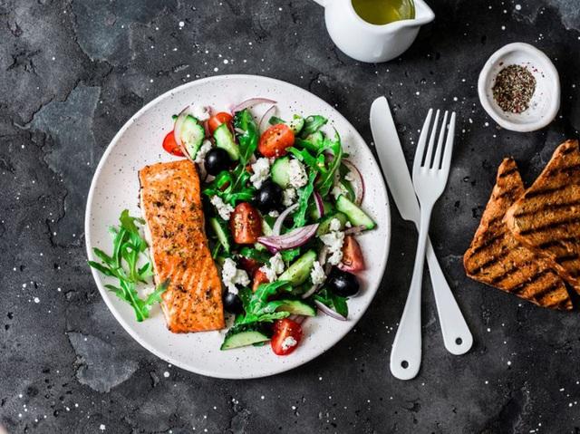 Kết hợp 2 kiểu ăn này, giảm ngay mỡ bụng, mỡ máu và nguy cơ chết sớm - Ảnh 1.
