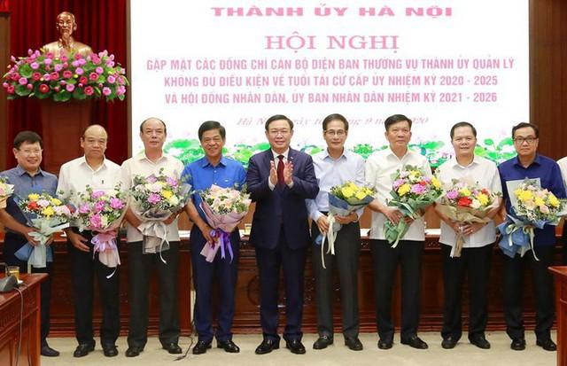 Hà Nội có 34 cán bộ nghỉ hưu trước tuổi - Ảnh 1.