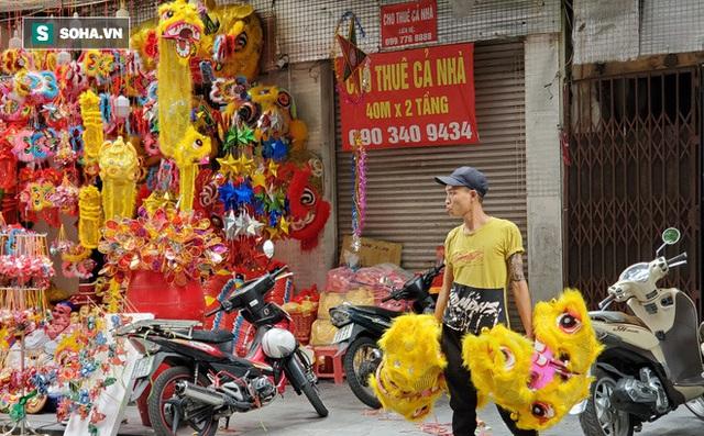 Bất ngờ tại con phố dài hơn 300m một năm thay áo vài lần ở Hà Nội - Ảnh 12.