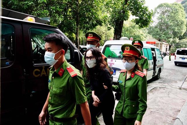 Ông Nguyễn Thành Tài tiều tuỵ hầu toà vụ gây thất thoát 1.927 tỷ đồng - Ảnh 3.