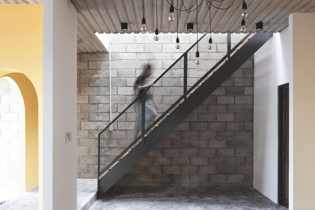 Nhà 2 tầng ở Bình Dương thiết kế sử dụng khoảng 20 năm với chi phí chưa tới 500 triệu đồng - Ảnh 6.