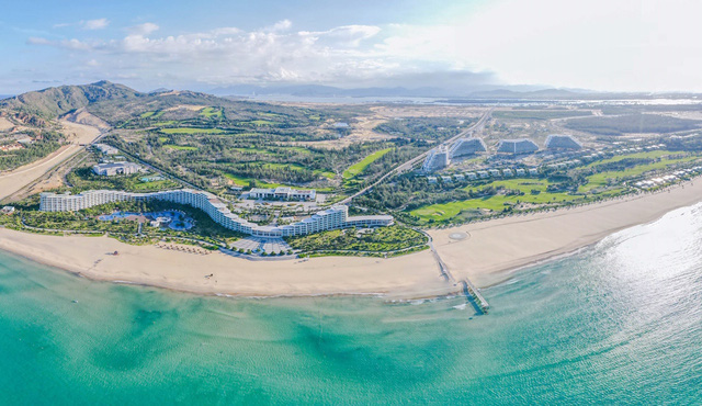 FLC sắp khánh thành khách sạn dài gần 1km, quy mô 1.500 phòng tại bãi biển Quy Nhơn - Ảnh 2.