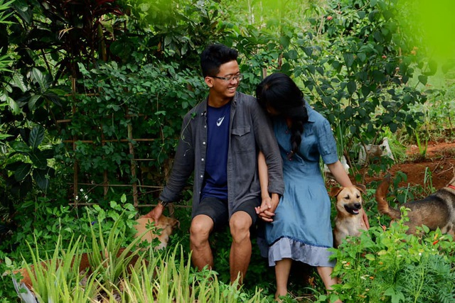 Những mẩu chuyện chưa kể của đôi vợ chồng trẻ bỏ phố về rừng: Không phải ai sinh ra cũng để trồng rau, nuôi cá - Ảnh 9.