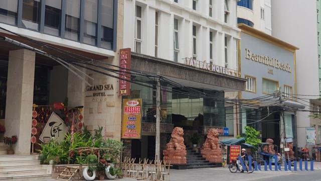 Hàng loạt khách sạn, biệt thự ở Đà Nẵng rao bán vì thua lỗ - Ảnh 2.