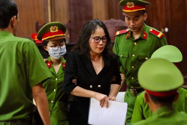 CLIP: Bà chủ Hoa Tháng Năm phản bác và cho rằng không là đồng phạm của ông Nguyễn Thành Tài  - Ảnh 1.