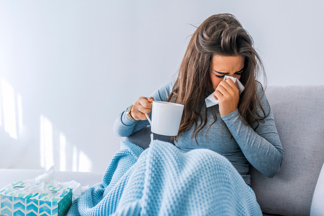 Chăm sóc sức khỏe lúc giao mùa: Cẩn trọng với 7 loại bệnh phổ biến nhưng nguy hiểm thời điểm thu đông này - Ảnh 1.