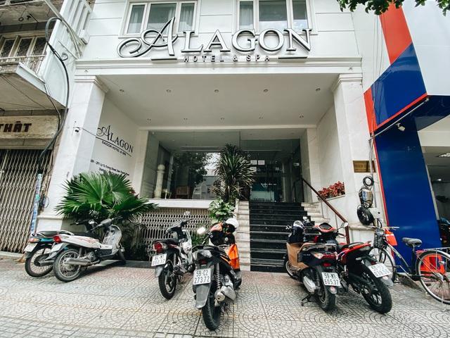 Chùm ảnh: Khách sạn ở trung tâm Sài Gòn ngừng hoạt động, rao bán vì ngấm đòn Covid-19 - Ảnh 2.