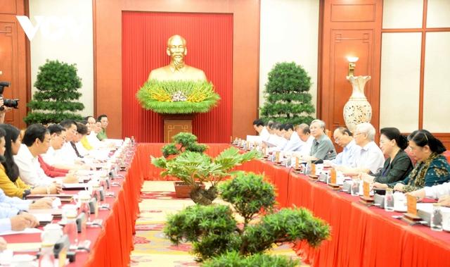 Tổng Bí thư, Chủ tịch nước chủ trì buổi làm việc với Ban Thường vụ Thành ủy Hà Nội  - Ảnh 2.