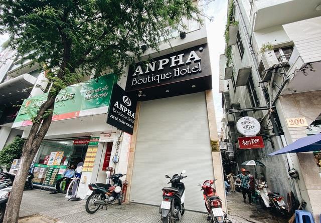 Chùm ảnh: Khách sạn ở trung tâm Sài Gòn ngừng hoạt động, rao bán vì ngấm đòn Covid-19 - Ảnh 13.