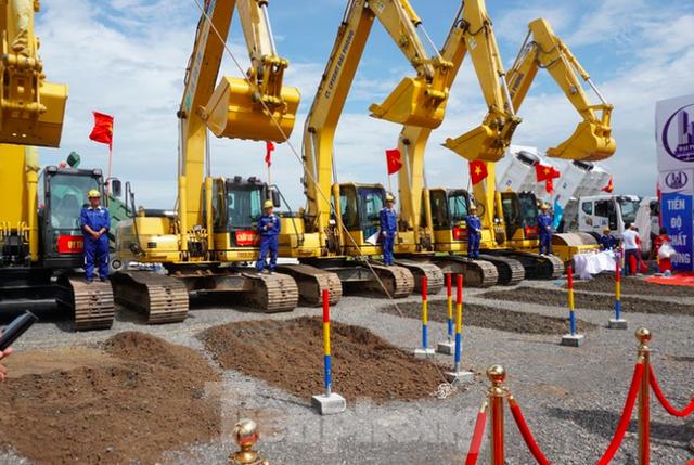 Nam Định khởi công tuyến đường bộ ven biển trị giá gần 2.700 tỷ đồng - Ảnh 3.