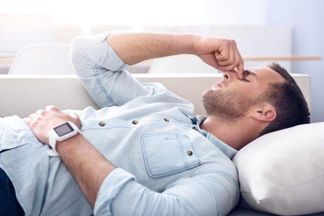 9 thay đổi tưởng là nhỏ nhưng không hề trên cơ thể đàn ông, chứng tỏ sức khỏe đang suy yếu - Ảnh 1.