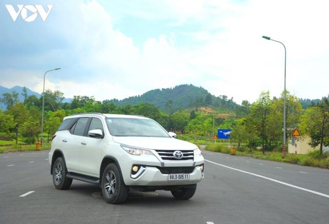 Toyota Fortuner, Land Cruiser và Alphard bị triệu hồi ở Việt Nam do lỗi bơm nhiên liệu  - Ảnh 1.