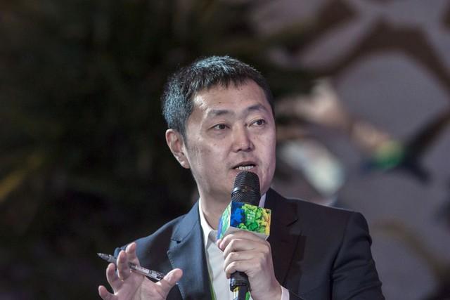10 tỷ phú kiếm nhiều tiền nhất tuần qua: Ông chủ Zoom, SoftBank góp mặt - Ảnh 6.